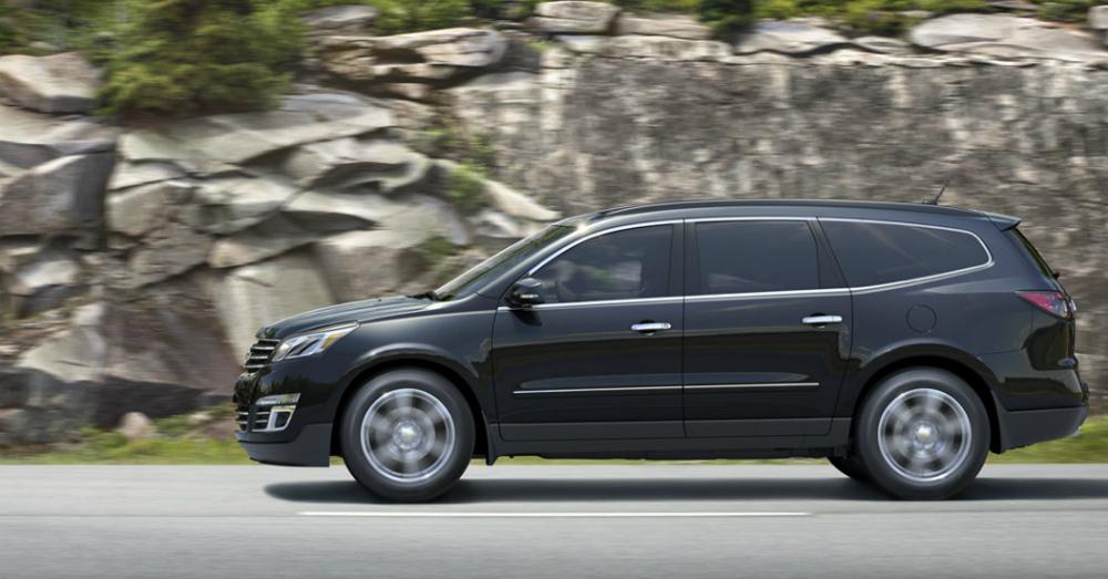 2015 Chevrolet Traverse Driving